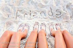 #friends#beach Cute Beach Pictures, Cute Friend Pictures, Friend Photos, Bff Pics, Beach Friends, Cute Friends, Friends Girls, Beach Poses With Friends, Best Friend Fotos