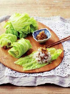 春キャベツの炒り大豆ごはん巻き 山椒しょうが味噌添えレシピ エル・オンライン