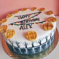 This cake is bomb tho stranger things netflix, stranger things shirt, cake Stranger Things Shirt, Stranger Things Aesthetic, Stranger Things Netflix, 11th Birthday, Birthday Cake, Happy Birthday, Cake Gallery, Custom Cakes, Themed Cakes