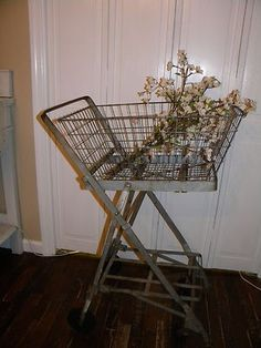 ANTIQUE VINTAGE 20'S INDUSTRIAL METAL WIRE BASKET SHOPPING CART AWESOME DISPLAY