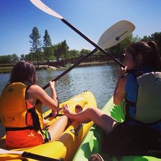 How many other schools offer this? Kayaking on the Brazos river under the Texas sun! Definitely on the Baylor bucket list.