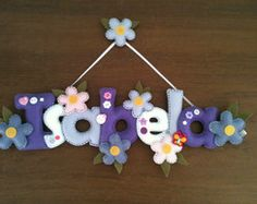Nome em feltro                                                                                                                                                     Mais Kids Crafts, Baby Crafts, Diy Craft Projects, Felt Crafts, Diy And Crafts, Projects To Try, Felt Name Banner, Felt Letters, Name Banners