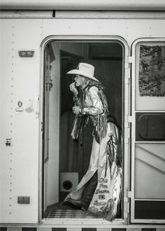 ❤ Cowgirl ❦ 'One last look'