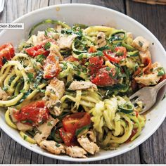 Zoodles made from zucchini with chicken and lemon