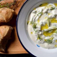 Tzatziki-iaurt-grecesc-castraveti-usturoi (1)