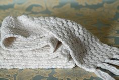 bobble stitch crochet scarf http://www.eatknitanddiy.com/2013/01/bobble-stitch-crochet-scarf/