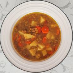 Voňavá šošovicová polievka - Fajn Recepty Chana Masala, Chili, Soup, Ethnic Recipes, Chile, Soups, Chilis