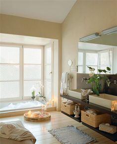 Baño con bañera encastrada en el suelo