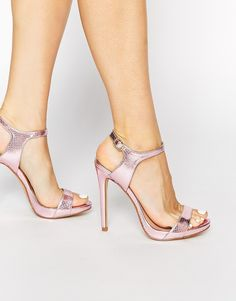 Imagen 1 de Sandalias de tacón con diseño sencillo en color rosa Quentin de New Look
