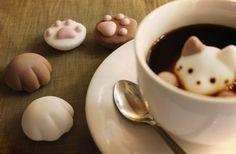 コーヒータイムも甘くて可愛い猫といっしょ | roomie(ルーミー)