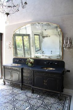 Traditional Bathroom Design Ideas, Pictures, Remodel and Decor Beautiful Bathrooms, Modern Bathroom, Marble Bathrooms, Rustic Bathrooms, Bathroom Interior Design, Interior Decorating, Cabin In The Woods, Bathroom Flooring, Bathroom Cabinets