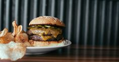 The 25 hamburgers you should go out of your way to eat.
