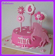 paarden taart / horse cake / https://www.facebook.com/bolicioso