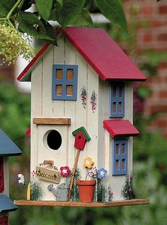 Bird House Kits Make Great Bird Houses Bird Houses Painted, Bird Houses Diy, Fairy Houses, Homemade Bird Houses, Decorative Bird Houses, Bird House Plans, Bird House Kits, Birdhouse Designs, Birdhouse Ideas