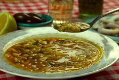 Group Meals, Greek Recipes, Chana Masala, Bon Appetit, Cheeseburger Chowder, Chili, Good Food, Soup, Beef