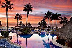 Hotel Finisterra, Los Cabos - A 3 minutos del centro y la zona de diversión de Cabo San Lucas. A unos pasos de la Marina.