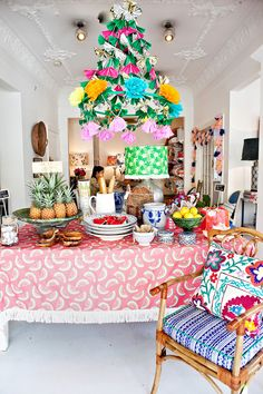 Colorful party set up | Adore Home magazine - Blog
