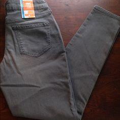 Skinny jeans Old navy gray denim skinny jeans Old Navy Pants Skinny