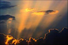 Photo : Bon voyage News, France, Paysages, Ciel, Grand angle, Couchers de soleil, Plouzevede. Toutes les photos de Serge AGOMBART sur L'Internaute