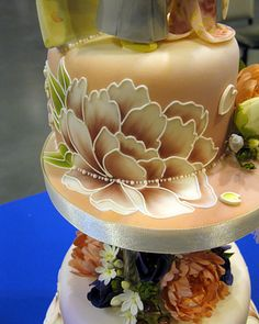 I love the color blend this is a rocking cake!  British Sugarcraft Guild (BSG) International Show Telford 2012