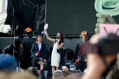 Conchita begeisterte 10.000 Fans am Wiener Ballhausplatz! - http://www.eurovision-austria.com/conchita-begeisterte-10-000-fans-am-wiener-ballhausplatz/