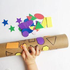Shape Match SANTA (tele) SCOPE | shape matching with a cardboard roll + stickers! www.acraftyliving.com