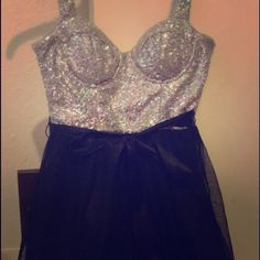 Black sparkle dress! Awesome black, A-Line, tulle dress with a sequin sparkly top. Fits true to size and is in perfect condition. Love Reign Dresses Mini