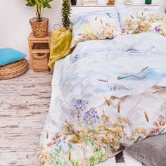 "Pościel satynowa ""Herbal"" - 160x200 cm - wielokolorowa - Dommania.pl Comforters, Quilts, Blanket, Bed, Furniture, Home Decor, Creature Comforts, Decoration Home, Stream Bed"