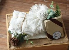 Ideas vintage wedding decorations diy boxes for 2019 Beach Wedding Bouquets, Diy Wedding Bouquet, Diy Bouquet, Wedding Dresses, Wedding Flowers, Rustic Wedding Gifts, Wedding Gift Boxes, Gifts For Wedding Party, Wedding Ideas