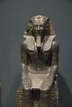 Museum Luxor: Thutmosis III seated on a throne