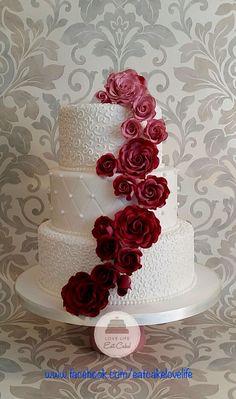 Burgundy ombré wedding cake 2016                                                                                                                                                     More #MaroonWeddingIdeas