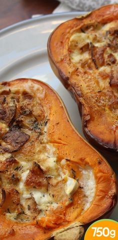 Butternut farcie au chèvre - Debra A Newberry Fall Dinner Recipes, Fall Recipes, Vegan Recipes, Cooking Recipes, Vegeterian Dishes, Food Porn, Good Food, Yummy Food, Foods With Gluten