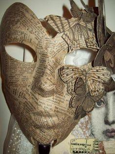 masque de carnaval en papier journal à réaliser à l aide de colle papier maché, deguisement Halloween a faire soi meme
