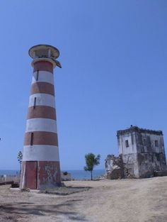 New and Old Sumbe (Novo Redondo) Lights, Angola, January 2012 Beautiful Islands, Beautiful Places, Angola Africa, Lighthouse Lighting, Costa, Out Of Africa, Largest Countries, Water Tower, Dark Places