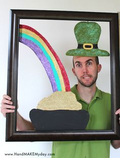 St. Patrick's Day Photo Prop Frame (tutorial)