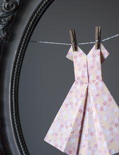 {scissor variations}: making Paper Clothes, Paper Dresses, Love Scrapbook, Scrapbooking, Diy Paper, Paper Crafts, Paper Art, Dye Clothespins, Heart Origami