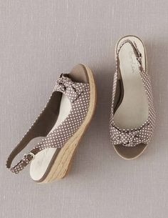 I've spotted this @BodenClothing Spotty Bow Espadrilles