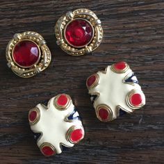 2-pair Vintage earrings Good as vintage condition! Vintage 70' earrings🌹no LOWBALLS & Trade Vintage Jewelry Earrings