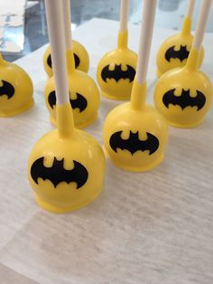 Batman cake pops - For all your cake decorating supplies, please visit craftcompany.co.uk