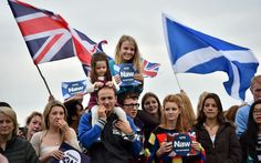 Pro-Union 'No' supporters gather for a rally in Edinburgh.