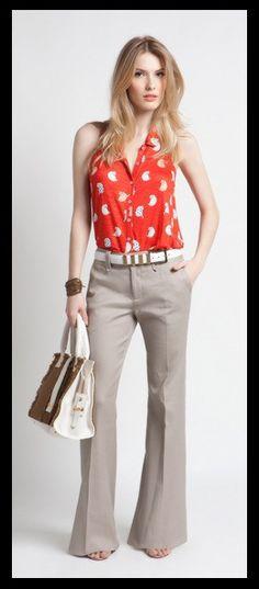 02_ Look para o trabalho_ calça social flare cinza_blusa vermelha_cinto branco