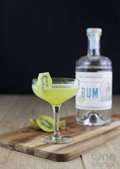 Step into the sun with this kiwi rum cocktail made with rum agricole, muddled kiwi, citrus and Salers Gentiane Liqueur. Cheers to warmer weather! Bar Drinks, Alcoholic Drinks, Cocktails Made With Rum, Cocktail Making, Mixed Drinks, Kiwi, Cabaret, Happy Hour, Tableware