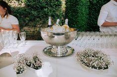 Cocktail - Vin d'honneur  - Mariage de Nolwenn & Guillaume  Photographie : Rosina Prod  Castellum traiteur organisateur de mariage  . #dordogne #périgord #france #traiteur #mariage #champagne #cocktail #vindhonneur #service #artdelatable #weeding #weddinginspiration #weddingphotography #castellumtraiteur #eyrignac #mariageenfrance #rosinaprod #fleur #décoration #rose #sallederéception Cocktails Vin, Champagne Cocktail, Dordogne, Punch Bowls, Hair Care, Table Decorations, Rose, Gardens, Romantic Backyard