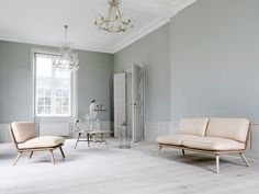 Greek Interior Design - Costis Psychas - ELLE DECOR interiors of paper and things: design White Floorboards, White Washed Floors, White Hardwood Floors, White Laminate Flooring, Elle Decor, Grey Walls, Living Spaces, Living Room, Furniture Design