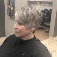 Funky Short Hair, Short Hair Older Women, Short Grey Hair, Very Short Hair, Short Hair Styles Easy, Short Hair With Layers, Edgy Short Haircuts, Haircuts For Fine Hair, Edgy Pixie Hairstyles