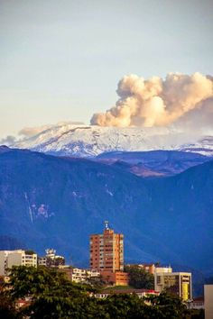 Nevado del Ruiz. Manizales. Colombia Seattle Skyline, Mountains, Nature, Frases, Volcanoes, Pictures, Sands, December, Cute