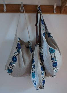 Vintage linen tote bags with different shoulder straps Vintage Linen, Shoulder Straps, Tote Bags, Upcycle, Handmade, Fashion, Moda, Suspenders, Hand Made