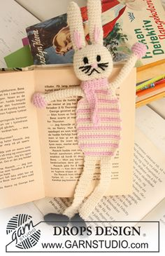 "Crochet DROPS Easter bunny book mark in ""Alpaca""."