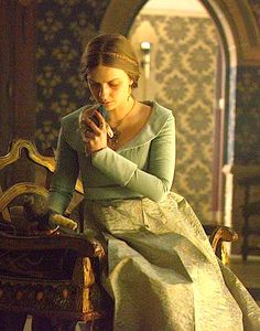 QUEEN ANNE - SICK AND REPLACED IN RICHARD'S AFFECTIONS BY HIS NIECE, ELIZABETH PLANTAGENET.  POOR ANNE.