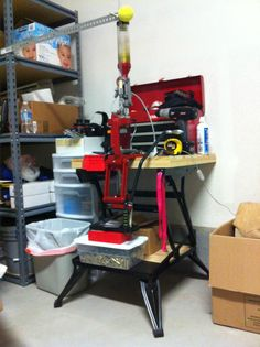 B&D Workmate 225 or Ammo and Reloading Reloading Room, Reloading Equipment, Diy Workbench, Carpentry Projects, Shooting Range, Archery Hunting, Firearms, Archery Targets, Home Appliances